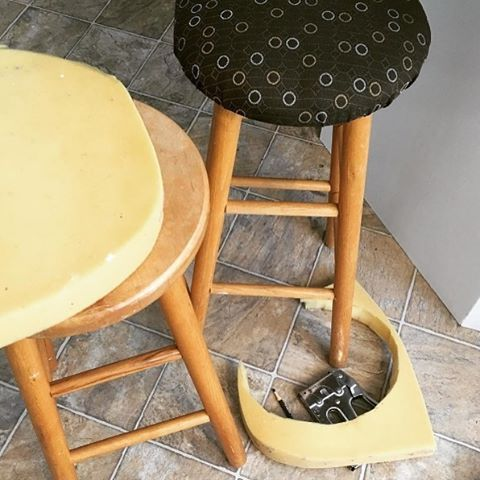 Spotlight: This project from Vickie Pointer (@vavimfit) that showcases our Heavy Duty T50 #staplegun. These stools look amazing, and we're sure they will be MUCH more comfy now. Do you want your next project to be featured on Arrow's channel? Simply tag @arrowfastener or use #MadeWithArrow!