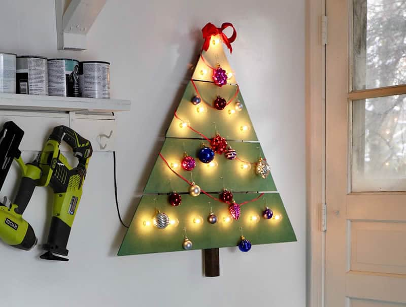 Wall-Mounted Christmas Tree