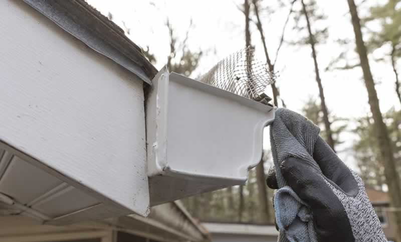 replace-gutter-end-cap-arrow-project-step5b.jpg