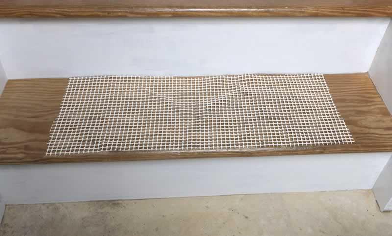 carpet-stair-treads-arrow-project-step9.jpg
