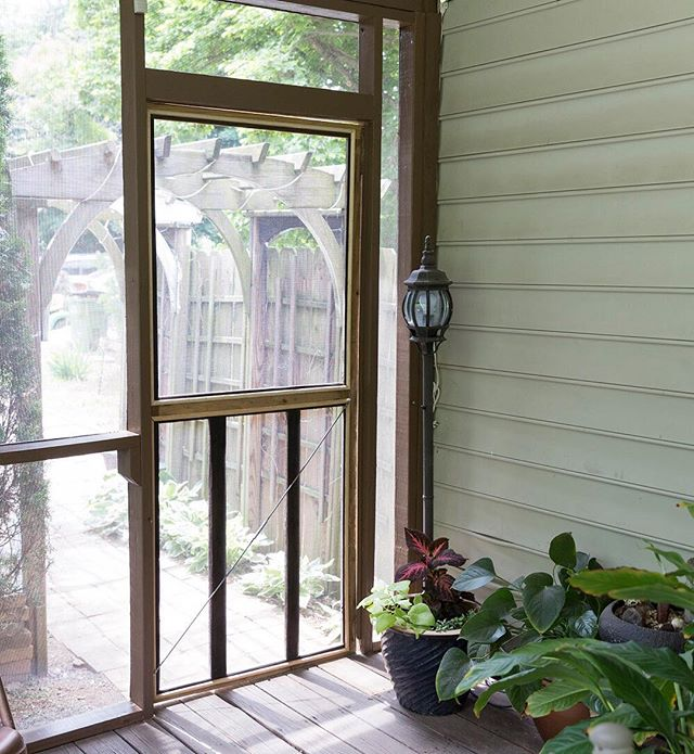 Learn how to replace a torn screen and molding on a wooden door so you can enjoy the last of those summer breezes! Link in bio! . . . . . . .