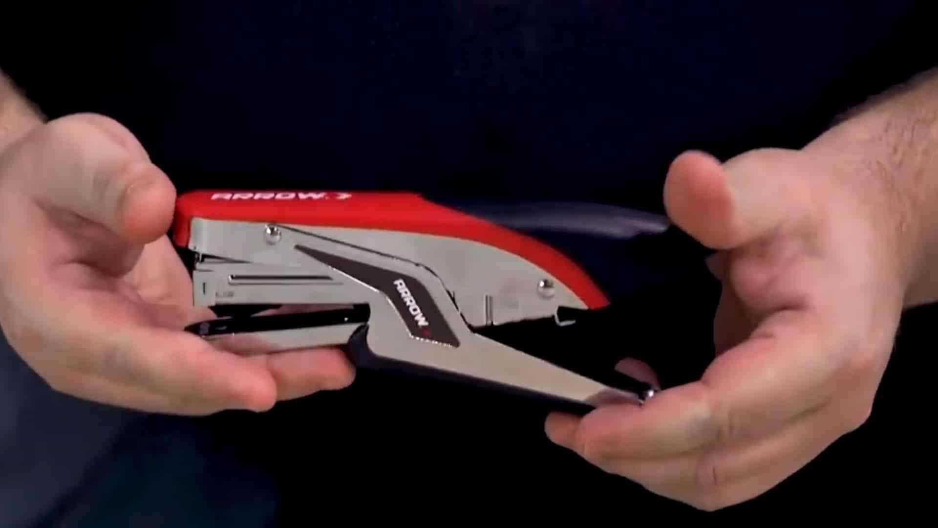 P21 Lightweight Plier Type Stapler