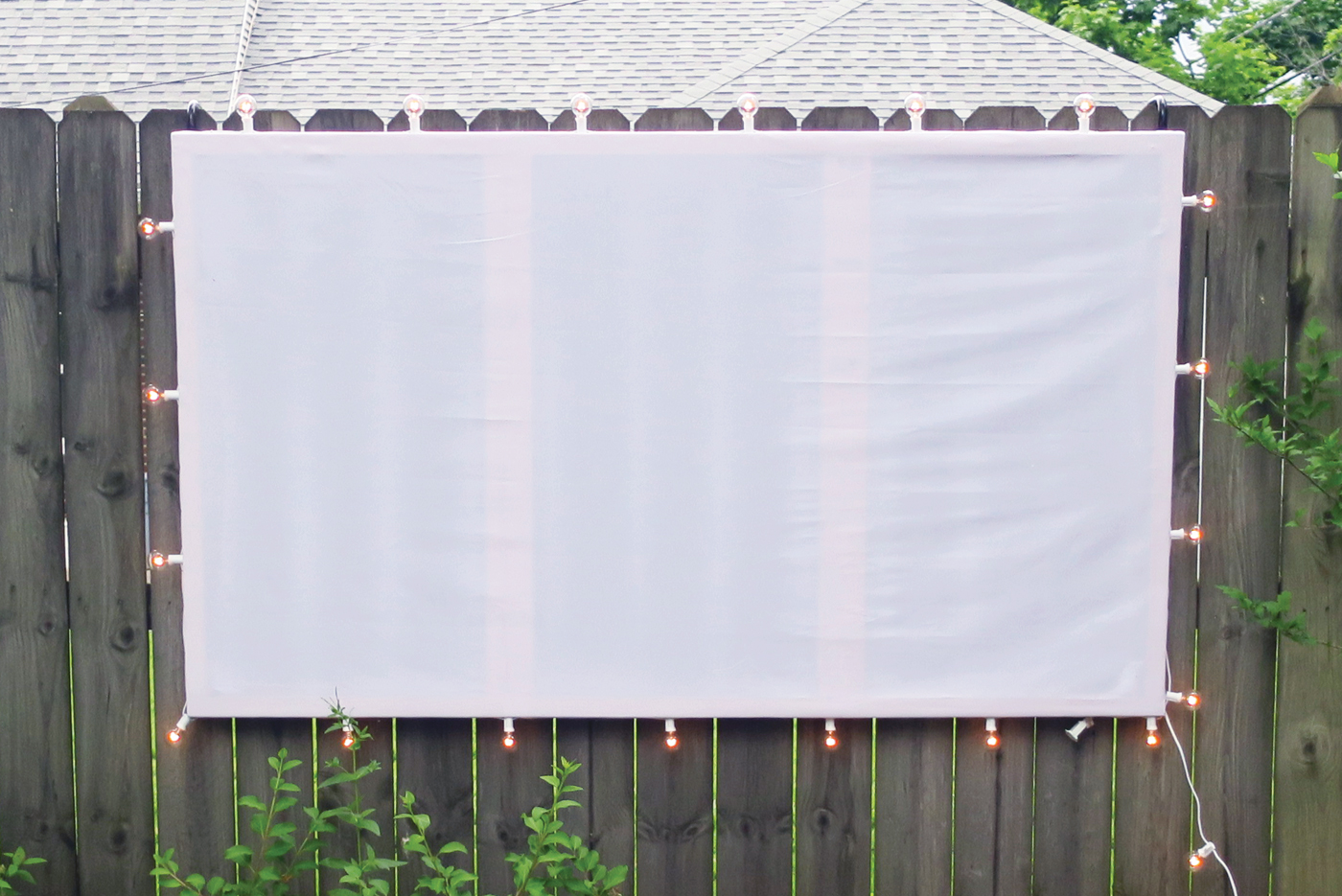 Build a Backyard Movie Screen